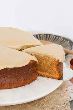 Easy Caramel Mud Cake | Melt & Mix Köstliche Desserts, Delicious Desserts, Dessert Recipes, Yummy Food, Cake Recipes, Caramel Mud Cake, Caramel Frosting, Australian Food, Vegetarian Chocolate
