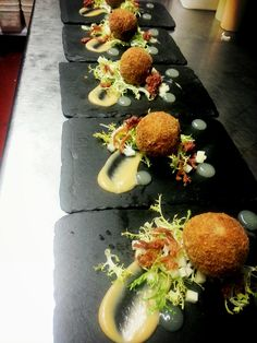 chefcraig on Moss valley Scotch egg, onion puree, apple & frizzie Williams Homemade Scotch Eggs, Scotch Eggs Recipe, Food Plating Techniques, Picnic Snacks, Gourmet Recipes, Gourmet Foods, Gourmet Desserts, Plated Desserts, Pub Food