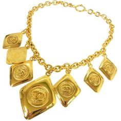 Pre-owned Chanel CC Logos Gold Chain Pendant Necklace ($1,695) ❤ liked on Polyvore featuring jewelry, necklaces, gold necklace, pre owned jewelry, yellow gold necklace, logo jewelry and chain necklace