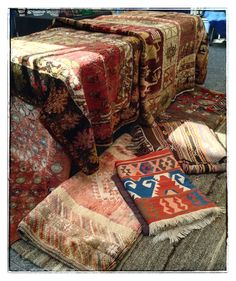 Sunday at St Lawrence Antique Market Natural Fiber Rugs, Natural Area Rugs, Carpets, Rugs On Carpet, Rug World, St Lawrence, Textiles, Antique Market, Kilims