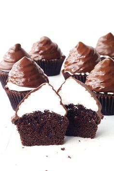 Recipe for Chocolate High Hat Cupcakes. Love this! Perfect for bake sales or just surprise birthday treats.