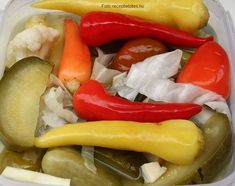 Nagyi-féle vegyes hordós savanyúság Pickling Cucumbers, Fermented Foods, Ketchup, Preserves, Pickles, Salad Recipes, Sausage, Grilling, Vitamins
