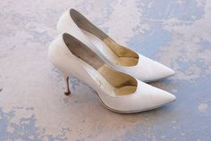 CLEARANCE SALE vintage 50s High Heels - White Leather Stilettos - 1950s Shoes Sz 6.5 7 on Etsy, $17.00