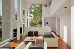 The living room of the 1967 Smith House Darien, Connecticut Architect - Richard Meier