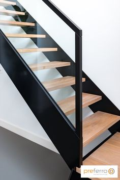 New Staircase, Interior Staircase, Home Stairs Design, Railing Design, Stair Railing, House Design, Open Trap, Build A Closet, Modern Stairs