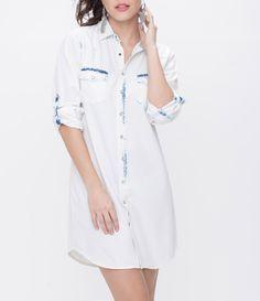 Vestido feminino  Modelo chemise  Bolsos frontais  Marca: Blue Steel  Tecido: jeans  Composição: 100% algodão  Modelo veste tamanho: P           COLEÇÃO VERÃO 2016         Veja outras opções de    vestidos femininos.