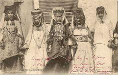 Africa: Vintage photo, Berber women, Algeria