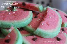 DIY watermelon slice & bake cookies Recipe to celebrate National Watermelon Day Watermelon Cookies, Watermelon Slices, Fancy Cookies, No Bake Cookies, Sugar Cookies, Bite Size Desserts, Easy Desserts, Cookie Recipes, Dessert Recipes