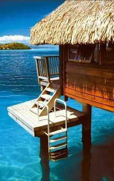 25 Spectacular Ocean Huts for a Peaceful Setting