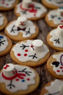The Pinterest Lover: Melted Snowman Cookies. Perfection At It's Finest.