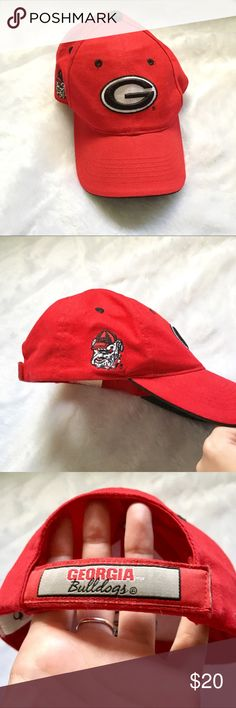 University of Georgia Bulldogs Baseball Cap! ❤️🖤 UGA Bulldogs red baseball cap with logo on the front! // Has a bulldog on the side and the name on the back strap! // Adjustable with Velcro! // Clean and soft material! // Great condition! University of Georgia Accessories Hats