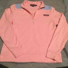 Vineyard Vines Pink and Blue Half Zip Vineyard Vines Pink and Blue Half Zip. Size small. In excellent condition. Ready to keep someone else warm. It's made of 100 percent cotton and has no damages! No trades!!! No low balls and cheaper on Ⓜ️. Bundling is the best way to save Vineyard Vines Sweaters Crew & Scoop Necks