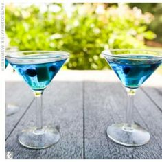 Cheree – Blue Signature Drinks add pineapple for gold Blue Margaritas