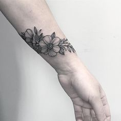 #floraltattoo #floral #blacktattooing #tattoo #tattooed #tattooartist #botanicaltattoo #blackwork #blxckink #blacktattooart #blacktattoos #amazinink #annabravo #dotworktattoos#dotworktattoo #wowtattoo #inked #dotworkers#iblackwork#inked#tattooart#botanicaltattoo#linework#inkedmag#inked#inkedup#blackinkedart#blackart#t2me#inkstinctsubmission#onlyblackart