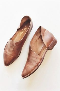 Closed toe version of FP fave Mont Blanc Sandal, these leather flats are made with the finest Spanish craftsmanship. Leather flats feature side cutouts and a sl