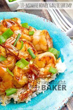Honey Garlic Shrimp – The Midnight Baker – Shellfish Recipes Asian Recipes, New Recipes, Cooking Recipes, Ethnic Recipes, Easy Cooking, Delicious Recipes, Soup Recipes, Easy Recipes, Recipies