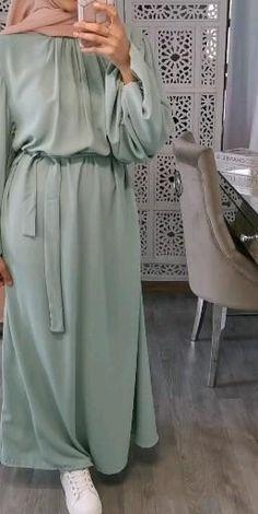 Muslim Women Fashion, Modern Hijab Fashion, Hijab Fashion Inspiration, Abaya Fashion, Fashion Outfits, Mode Abaya, Mode Hijab, Mode Turban, Frock For Women