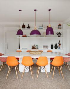 bright colors in the dining room #decor #salasdejantar #cores