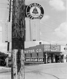 Walker Evans  Gas Station,  Reedsville, West Virginia  1936