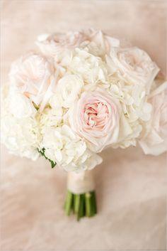 white and pink wedding bouquet @weddingchicks