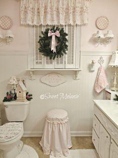 ~Sweet Melanie~: Merry Christmas...deck the bathroom?  Why not?  :)