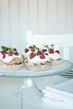 Marängbakelse Bagan, Yummy Treats, Sweet Treats, Elegant Cupcakes, Fika, High Tea, Afternoon Tea, Baking Recipes, Bakery