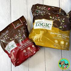 @natureslogic Raw Frozen Patties are a delicious and nutritious treat for your furry friends😋🍗 Tap the link in our bio for more information! #Regram via @www.instagram.com/p/CSH4n3ksFU0/ Raw Pet Food, Vitamins, Snack Recipes, Frozen, Chips, Beef, Treats, Friends, Link