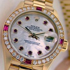 1211d0e76caa Rolex Gold   Diamonds ♛ This is just beatuiful! I happen to REALLY ADORE  the Mother of Pearl Dial and the jewels on the bezel is just enuf bling to  be ...