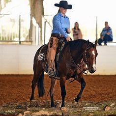 10 Quick Tips: Ranch Riding with Marty Oak Simper - GoHorseShow Horse Show Mom, Show Horses, Horse Training, Training Tips, Horsemanship Patterns, Hunter Under Saddle, Ranch Riding, Horse Showing, Horse Exercises