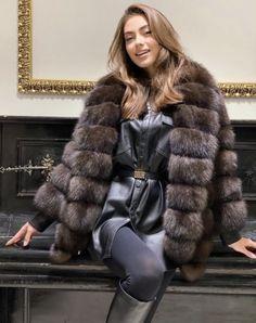 Sable Fur Coat, Sexy Women, Women Wear, Fur Bomber, Fur Fashion, Fox Fur, Fur Jacket, Beautiful Women, Fur Coats