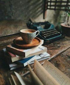 Book and coffee photography inspiration teas ideas Book And Coffee, Coffee And Books, Coffee Time, Coffee Cups, Cozy Coffee, Night Coffee, Winter Coffee, Coffee Art, Coffee Break
