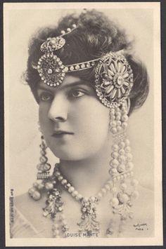 Opera Diva Louise Mante in Art Nouveau Jewelry, circa 1900
