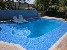 Resultado de imagem para piscina de fibra com alvenaria