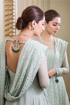 Shared by Faizaツ. Find images and videos about pakistani celebrities and mahira khan on We Heart It - the app to get lost in what you love. Pakistani Bridal Dresses, Pakistani Dress Design, Pakistani Outfits, Indian Outfits, Indian Clothes, Wedding Dresses, Party Dresses, Girls Dresses, Indian Gowns