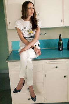Emerson Fry Spring 2013 - Live Free T, White Denims, Python Slingbacks Style And Grace, My Style, White Pants Outfit, Fade Styles, White Denim, White Tees, Get Dressed, Daily Fashion, Pretty Outfits