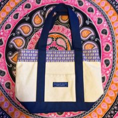 Vineyard Vines Minitote never used and in excellent condition, no signs of wear! Vineyard Vines Bags Totes