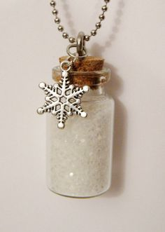 Winter Snow NECKLACE // Miniature Glass Bottle Pendant Full of White Hexagonal Glitter with Silver Snowflake Charm on Ball Chain Bottle Jewelry, Bottle Charms, Bottle Art, Ocean Bottle, Mini Glass Bottles, Glass Vials, Bottles And Jars, Jewelry Crafts, Handmade Jewelry