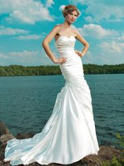 Strapless Ruched Sweetheart Wedding Dresses with Pleated Skirt - lidress.com