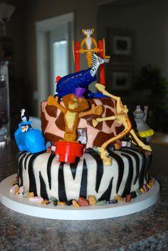 Madagascar 3 cake