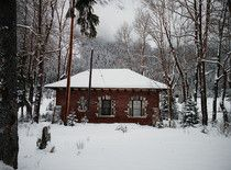 Abandoned Canada Post building today in Field BC This would be lovely to turn into a cottage!