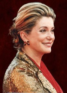 Catherine Deneuve--as beautiful at 70 as she was at I feel she grows more and more beautiful. Honestly she must be the most beautiful woman in the world! Catherine Deneuve, Isabelle Adjani, Divas, Most Beautiful Women, Beautiful People, Yasmina Rossi, Emmanuelle Béart, David Bailey, Marianne Faithfull