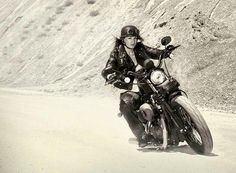 I can almost feel the wind in my face and the bend in the road looking at this pic... I wanna ride!