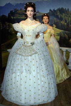 Annemike Van Dam as Kaiserin Elisabeth in Elisabeth das musical visits Madame Tussads
