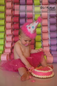 Cake smash photo ideas.  Birthday Photography Posing.  Tampa Bay Birthday Photography.  Tampa Family Photographer.  Pasco Family Photography.  Land O Lakes Child Photographer.  First Birthday Photoshoot in Tampa.  Check out our Facebook for more inspiring family images to pin @ www.facebook.com/DigitalMystPhotography or blog follow us at www.DigitalMystPhotography.com