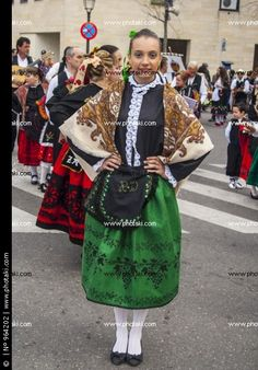 Traje regional , Fiestas de Mondas, Talavera, Toledo. Castilla La Mancha