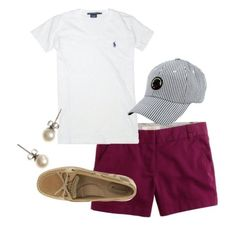 Nice casual outfit. Like the shorts