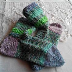 Farmerky Sezóna 2020/21 ponožky 39-41 Fingerless Gloves, Arm Warmers, Fashion, Fingerless Mitts, Moda, Fashion Styles, Fingerless Mittens, Fashion Illustrations
