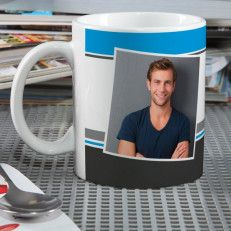 Photocase with your desired text in blue and gray On the white ceramic tile you can immortalize your favorite photo. It is printed with blue and gray stripes, on the one hand is large your photo pictured, on the back of the cup is space for your personal wish text. The modern photocass is a beautiful gift idea for the best friend, dad or even for yourself, as a souvenir of a particularly beautiful day #Germany