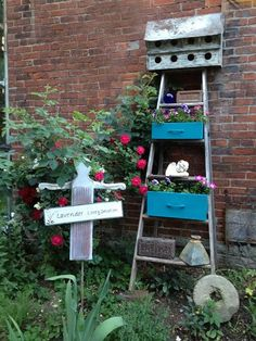 {Myra's Garden} filled with {vintage treasures!}