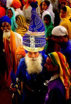 love this pic! #NihangSingh #Khalsa #Sikh #Gursikh #Blue #HolaMohalla #
